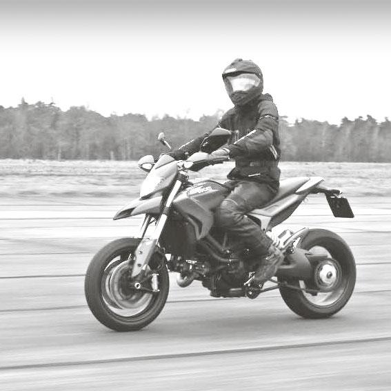 <b>MOTOR INSTAPACTIE</b><br /> 6 LESUREN<br /> VOOR €320,–